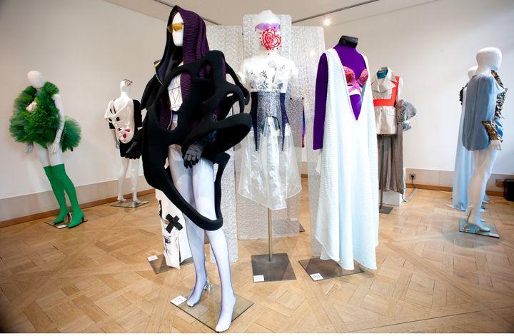 """Expériences mode"", collections Olivier Guillemin  (Photo Joyce Gallery Paris  -® Ruddy Candillon)"