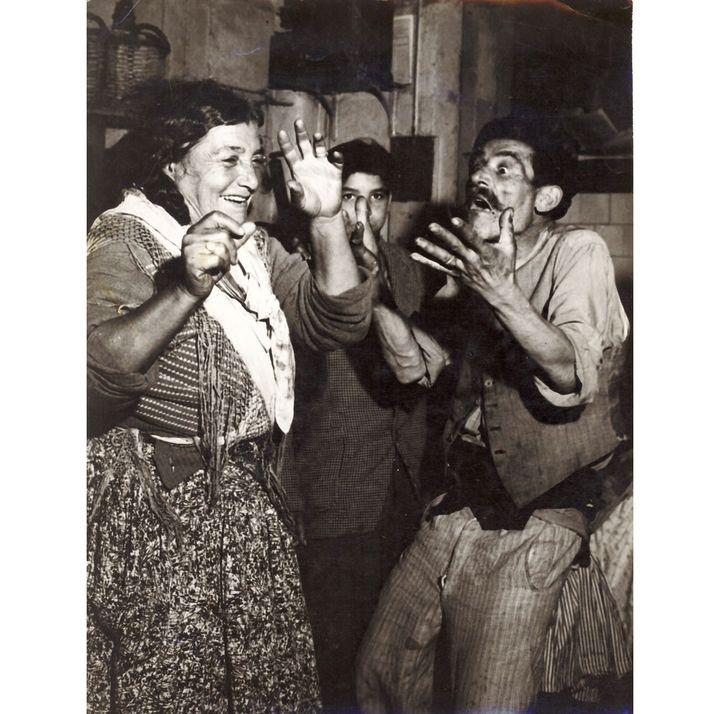 """Jacques Léonard, """"Indalencio et La Anika, la veille de la Saint-Jean à la Bodega""""  (Jacques Léonard, archives famille Jacques Léonard)"""