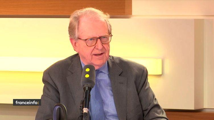 L'ancien vice-président du New York Stock Exchange,Georges Ugeux sur le plateau de franceinfo, le 28 mars 2018. (FRANCEINFO / RADIOFRANCE)