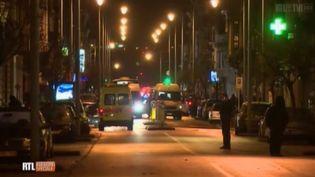 Capture d'écran de la chaîne belge RTL montrant la rue de la commune deVerviers (Belgique) où une opération antiterroriste a fait au moins deux morts, le 15 janvier 2015. (RTL TVI)