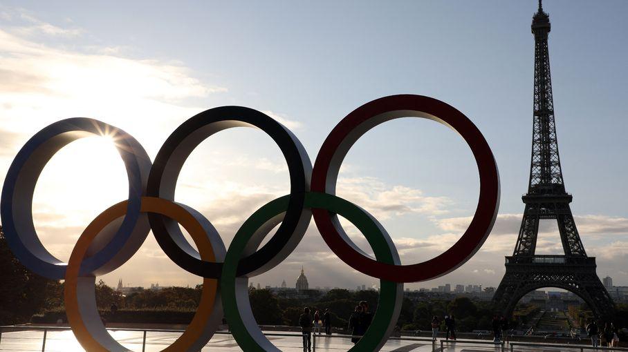 Tokyo 2021 : les médaillés olympiques accueillis en héros à Paris