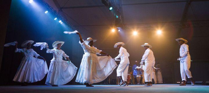 Les danses du groupe colombien Buscaja  (Y. Petit)