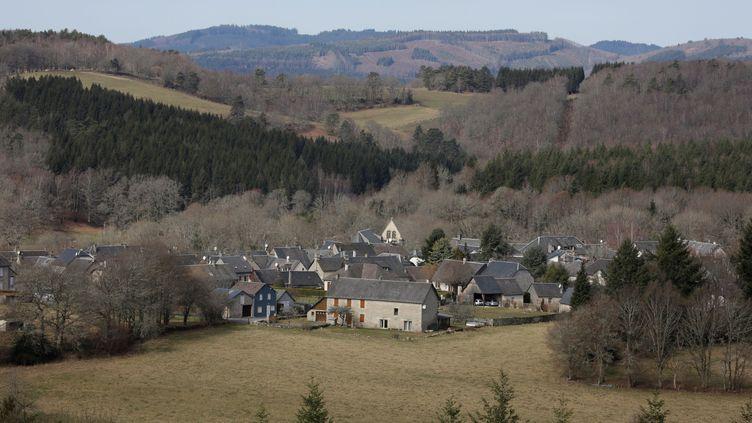 Le village de Tarnac, en Corrèze. (PASCAL LACHENAUD / AFP)