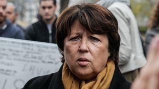 La maire de Lille, Martine Aubry, lors d'un hommage aux victimes des attentats de Paris, à Lille, le 16 novembre 2015. (BENJAMIN GUENAULT / AFP)