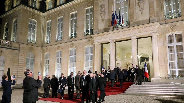 Les maires ont déjà été reçus l'an dernier au palais de l'Elysée en marge de leur congrès, le 22 novembre 2017. (LUDOVIC MARIN / AFP)