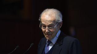 Robert Badinter, lors d'un discours au siège de l'Unesco, à Paris, le 9 janvier 2017. (LIONEL BONAVENTURE / AFP)