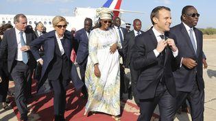 Emmanuel Macron et le président sénégalais Macky Sall, à leur arrivée à Saint-Louis (Sénégal), le 3 février 2018. (LUDOVIC MARIN / AFP)