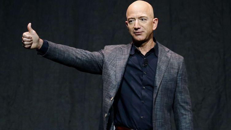 Le PDG d'Amazon, Jeff Bezos, s'exprime lors d'une cérémonie consacrée au module lunaire Blue Moon de Blue Origin, le 9 mai 2019, à Washington DC (Etats-Unis). (PATRICK SEMANSKY / AP / SIPA)