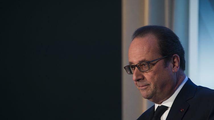 François Hollande face à la presse, le 1er avril 2016 à Washington (Etats-Unis). (JIM WATSON / AFP)