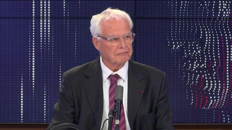 """Jean-Pierre Obin, ancien inspecteur général de l'Éducation nationale, était l'invité du """"8h30franceinfo"""", jeudi 1eroctobre 2020. (FRANCEINFO / RADIOFRANCE)"""