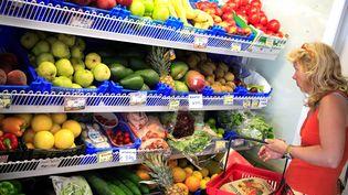Un rayon fruits et légumes dans une superette. (MAXPPP)