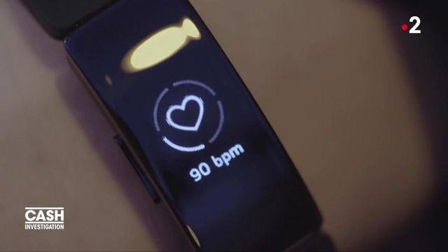 """VIDEO. """"Cash Investigation"""" a testé une montre connectée qui pourrait révéler la personnalité de son utilisateur"""