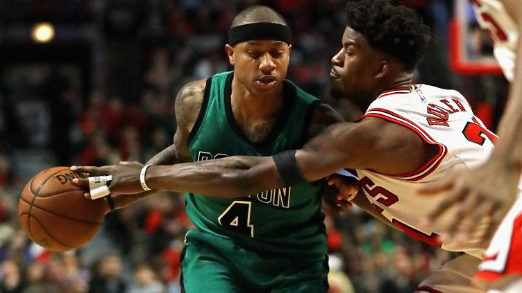 Isaiah Thomas face à Jimmy Butler  (JONATHAN DANIEL / GETTY IMAGES NORTH AMERICA)