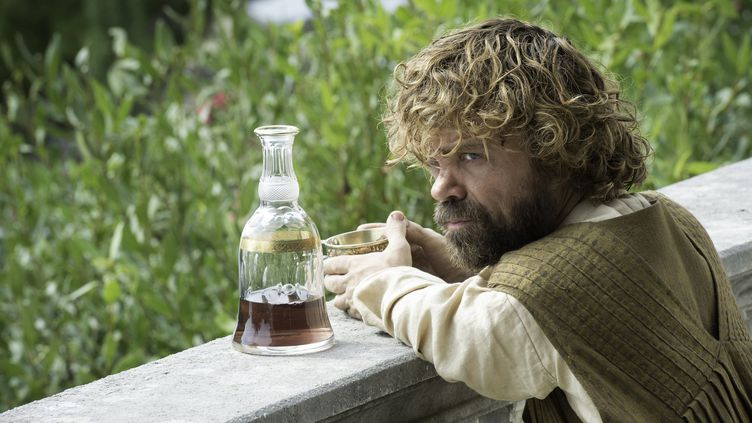 """Et avec l'arrivée de la nouvelle saison de """"Game of Thrones"""" ce 17 juillet, cette tendance ne risque pas de partir à la baisse.  (HBO / Archives du 7eme Art / Photo12)"""