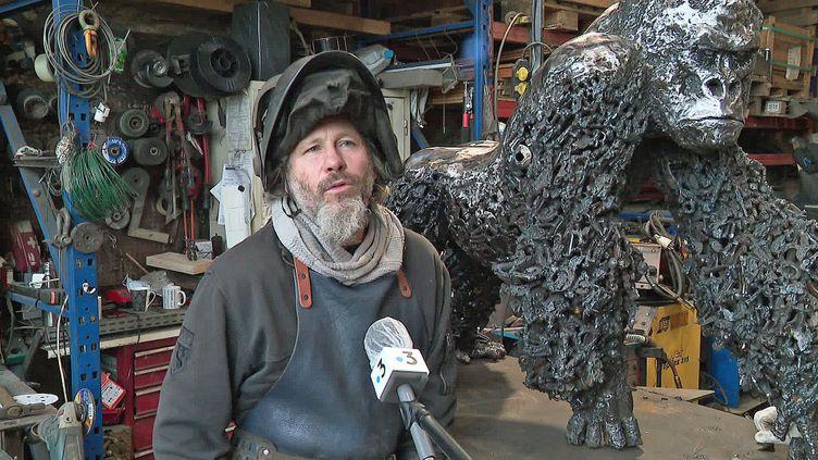 Le sculpteur Jean-No dans son atelier d'Avrainville (Meurthe-et-Moselle) (France 3 Grand Est)