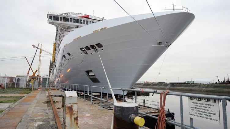 Un navire de croisière en construction aux chantiers STX, ex-Chantiers de l'Atlantique. (FRANK PERRY / AFP)