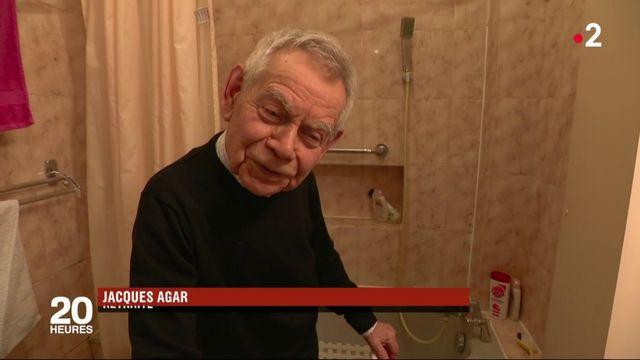 Dépendance : une aide pour adapter la salle de bain des personnes âgées