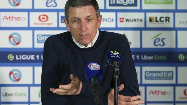 Thierry Laurey lors de la conférence de presse d'après-match entre Strasbourg et le PSG, le 10 avril 2021. (JEAN CATUFFE / JEAN CATUFFE)