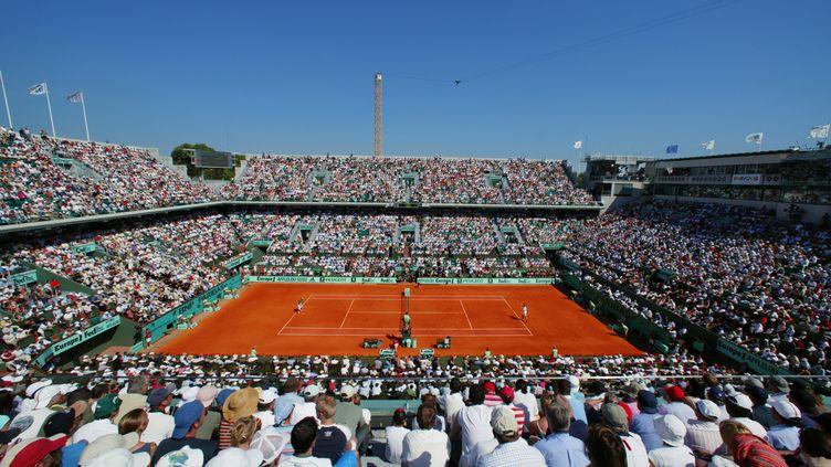 Le court Philippe Chatrier, au stade Roland-Garros, à Paris. (YANN GUICHAOUA / ONLY FRANCE / AFP)