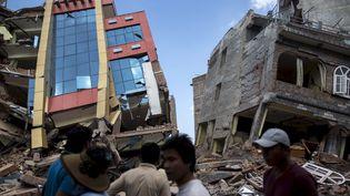 AKatmandou, des bâtiments épargnés par le précédent séisme se sont cette fois écroulés. (ATHIT PERAWONGMETHA / REUTERS)
