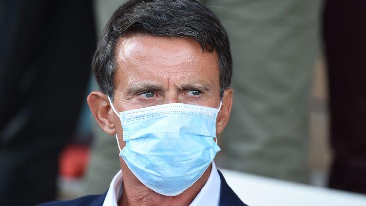 L'ancien Premier ministre Manuel Valls, en août 2020. (ERIC PIERMONT / AFP)