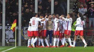 L'Olympique lyonnais célèbre sa victoire face au Sparta Prague en Ligue Europa, jeudi 21 octobre. (MICHAL CIZEK / AFP)
