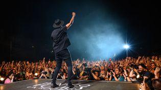 Le rappeurSoprano lors de la 35e édition des Francofolies de La Rochelle, le 13 juillet 2019. Photo d'illustration. (XAVIER LEOTY / AFP)