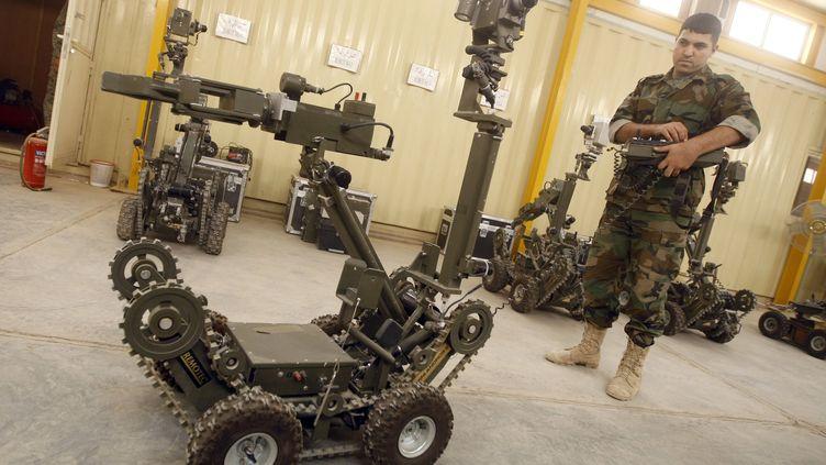 Un robot soldat irakien. (AHMAD AL-RUBAYE / AFP)