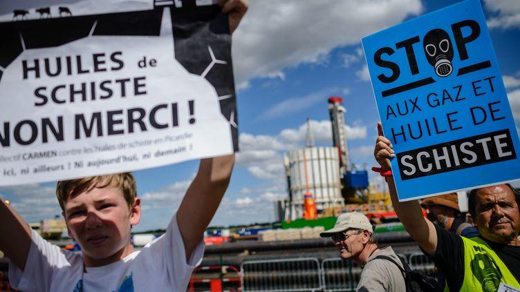 L'opposition à l'extraction du gaz de schiste touche de nombreux pays : ici lors d'une manifestation en Seine-et-Marne, près de Paris (MAXPPP)