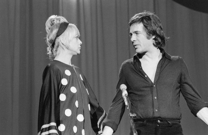 """Le duo Guy Bedos et Sophie Daumier en 1975 : """"Les vacances à Marakech"""" (ALAIN LIENNARD / INA)"""