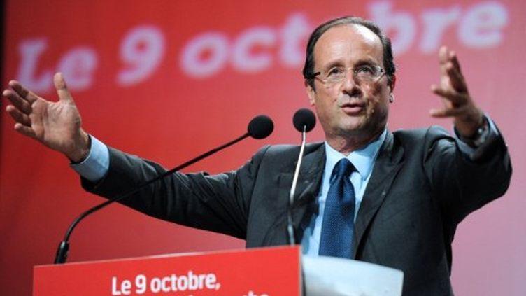 François Hollande remporterait la primaire socialiste des 9 et 16 octobre, selon le dernier sondage BVA. (AFP - Patrick Hertzog)