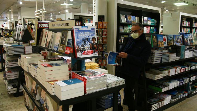 Réouverture des librairies en france, le 28 novembre 2020 (QUENTIN DE GROEVE / HANS LUCAS)