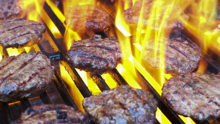 Le burger vendu dans le restaurant de Brighton (Royaume-Uni) est 18 000 fois plus épicé qu'un piment traditionnel(image d'illustration). (TETRA IMAGES / GETTY IMAGES)
