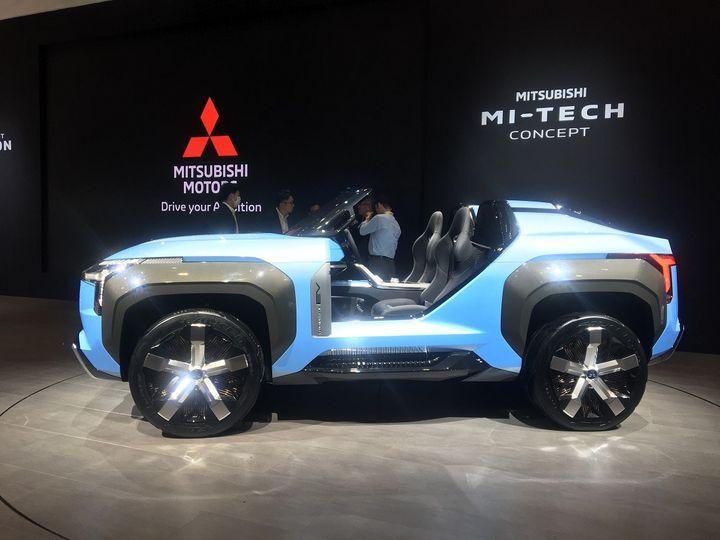 """Le Mitsubishi MI-TECH Concept, un prototype doté d'un groupe motopropulseur hybride rechargeable dans une version """"cabriolet"""". (SERGE MARTIN FRANCE INFO)"""