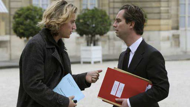 Jean Sarkozy et David Martinon, alors porte-parole de l'Elysée (25 octobre 2007) (AFP)