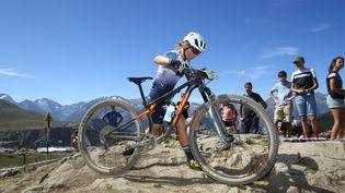 Léna Gérault a décroché son premier titre de championne de France Elite en VTT Cross-country. (HASLIN / MAXPPP)