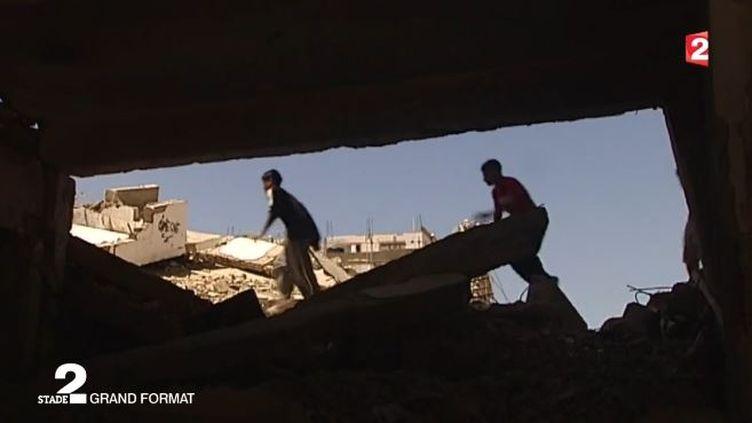 Des jeunes pratiquant le Parkour à Gaza. ( FRANCE 2)