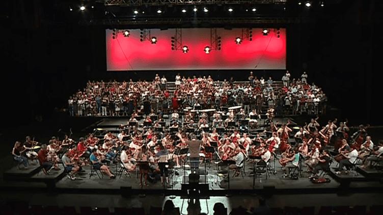 Répétition générale pour les 400 artistes des Orchestres de Pau et de Pampelune. Les deux formations unissent leur talent pour se mettre au service du Requiem de Verdi  (France 3 )