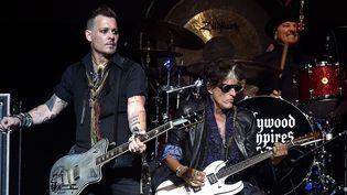 Johnny Depp et Joe Perry, sur scène avec les Hollywood Vampires le 10 juillet.  (Kevin Mazur / Getty Images / AFP)