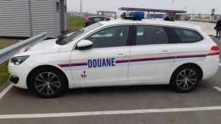 Un véhicule des douanes de Dunkerque (Nord). (MATTHIEU DARRIET / FRANCE-BLEU NORD)