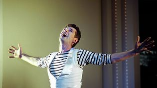 L'ancien danseur et chorégraphe Patrick Dupond en 2000 sur la scène de l'Espace Cardin à Paris (MAXPPP)