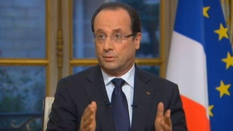 Le président de la République était interrogé jeudi 3 janvier 2013 par des journalistes ultra-marins sur l'économie des départements et territoires d'Outre-mer. (FRANCETV INFO / FRANCE Ô)