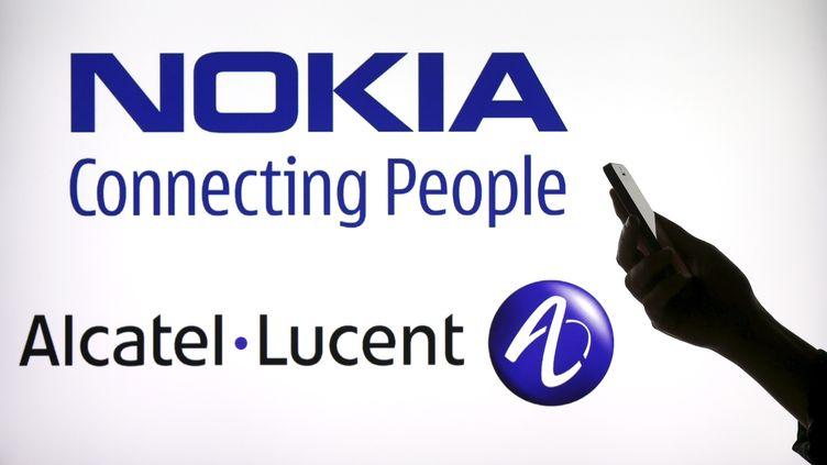 Nokia a annoncé sa fusion avec Alcatel-Lucent, le 15 avril 2015. (BENOIT TESSIER / REUTERS)