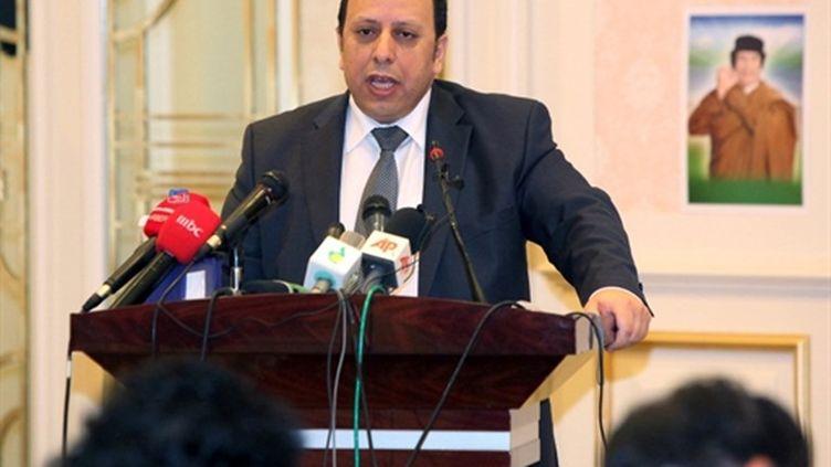 Conférence de presse de Khaled Kaaim à Tripoli (11/03/2011) (AFP/MAHMUD TURKIA)