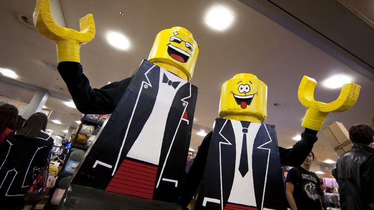 Des personnages Lego réalisés le 7 avril 2012 à Lausanne (Suisse), lors de la convention Polymanga. (VALENTIN FLAURAUD / REUTERS )