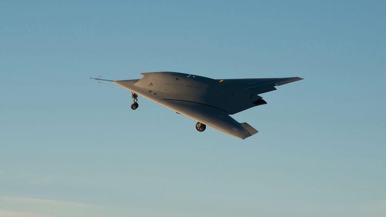 Neuron, le prototype du drone européen de combat, a décollé de la base d'Istres, le 1er décembre 2012. (R. MICHELIN / DASSAULT AVIATION / AFP)