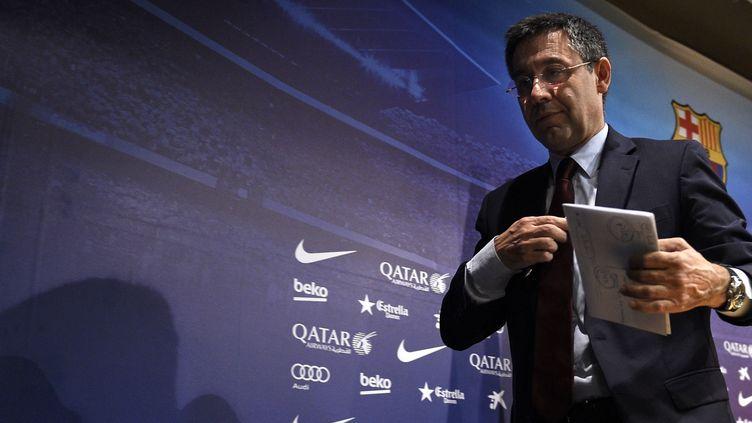 L'ancien président du FC Barcelone Josep Maria Bartomeu visé par une enquête de la police financière espagnole (LLUIS GENE / AFP)