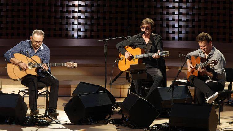 Biréli Lagrène, Thomas Dutronc et Sylvain Luc en concert à l'auditorium de la Seine Musicale, le 18 septembre 2021 (SADAKA EDMOND / SIPA)