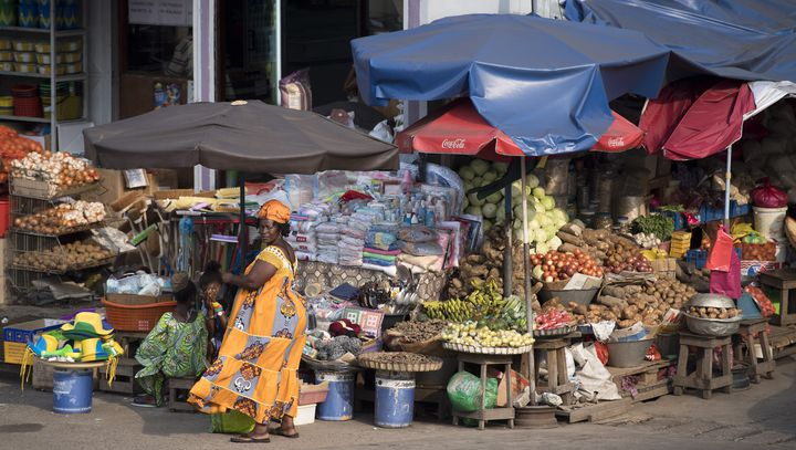 Surun marché de Port-Gentil (ouest du Gabon), le 18 janvier 2017. (JUSTIN TALLIS / AFP)
