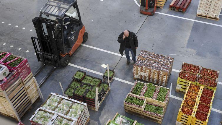 La zone légumes du MIN de Nantes Métropole à Rezé, en mars 2019. (SEBASTIEN SALOM-GOMIS / AFP)